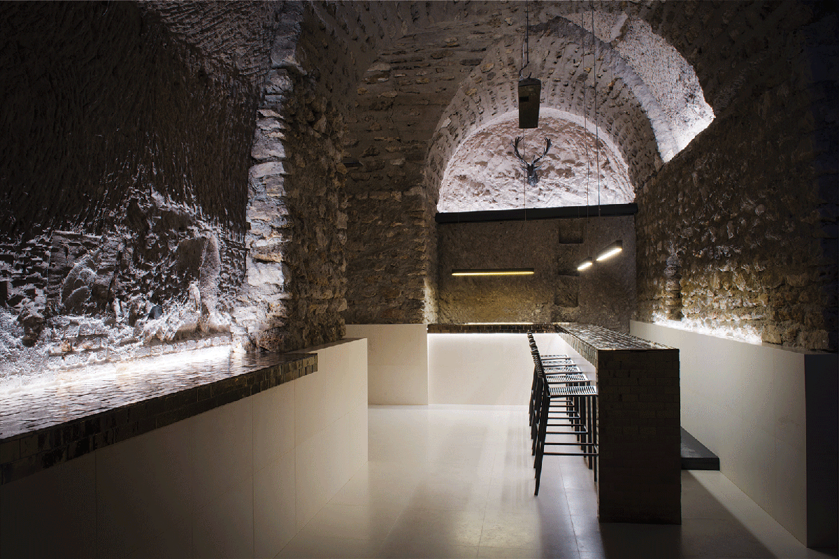 cellier-degustation-bar-à-vin-location-de-caves-à-vin-privatives